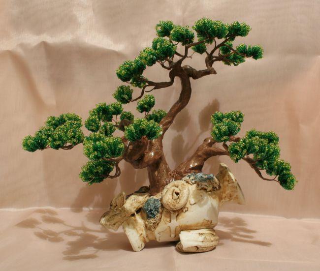 Деревья из бисера и камней