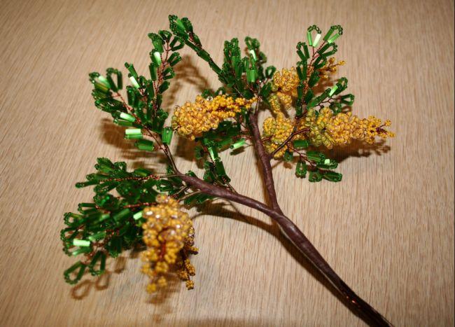 сборка веточек бисерного дерева