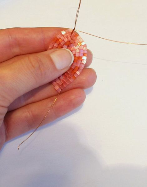 французская техника плетения из бисера